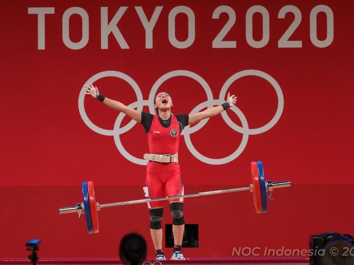 Sabtu, 24 Juli 2021. NOC - TO2020 - PHO - Day 4 - Medali Perunggu dari Windy Cantika Aisah cabang Angkat Besi kelas 49kg di Tokyo International Forum, Tokyo - Jepang
