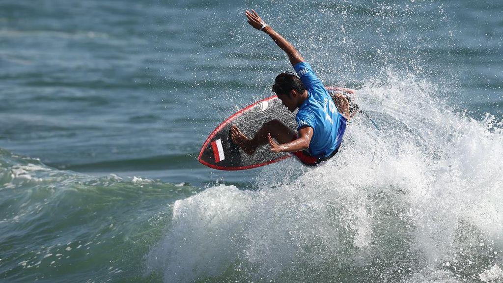 Surfer RI Rio Waida Pijak 16 Besar di Meksiko, Ungguli Atlet Brasil