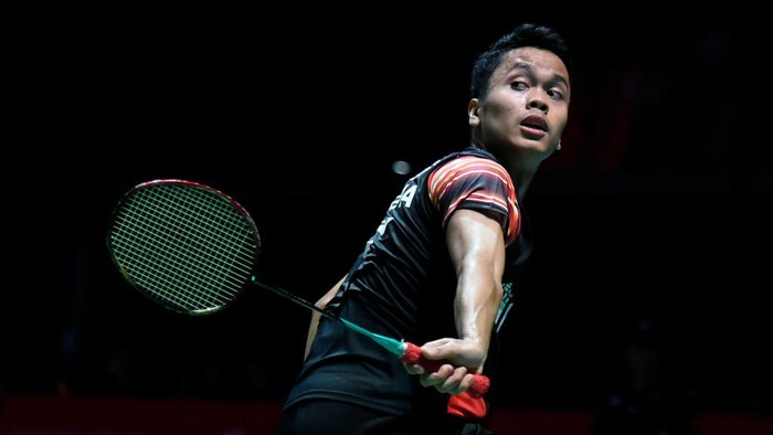 CHOFU, JAPAN - JULY 25: Anthony Sinisuka Ginting of Indonesia competes in the mens singles match against Sitthikom Thammasin of Thailand on day three of the Daihatsu Yonex Japan Open Badminton Championships, Tokyo 2020 Olympic Games test event at Musashino Forest Sport Plaza on July 25, 2019 in Chofu, Tokyo, Japan. (Photo by Matt Roberts/Getty Images)