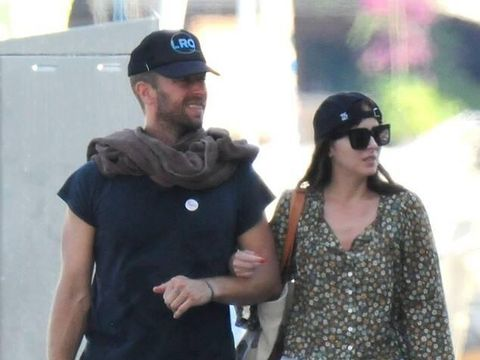 Chris Martin dan Dakota Johnson