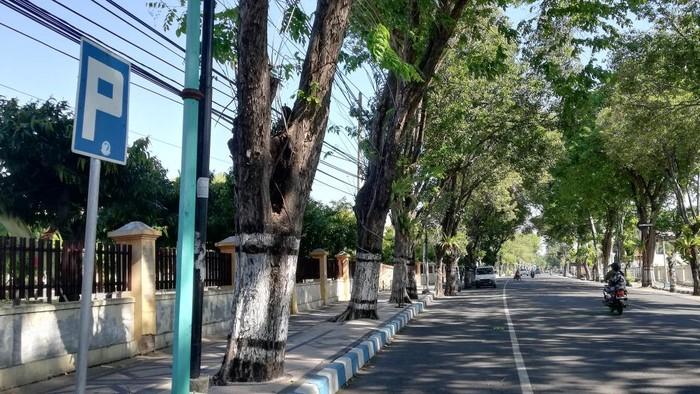 Jalan KH Wachid Hasyim dan Jalan Niaga, kawasan alun-alun pasuruan