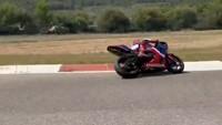 Rossi Naik Bajaj Bareng Pacar, Marquez Pilih Geber Honda CBR600RR di Sirkuit