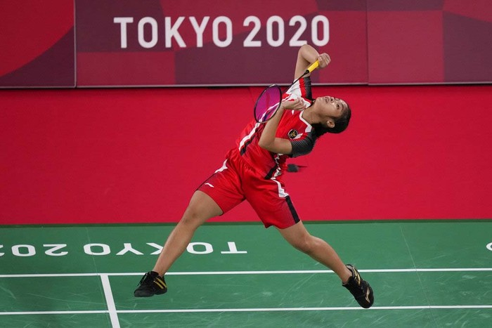 Indonesias Gregoria Mariska Tunjung competes against Myanmars Thuzar Thet Htar during their womens singles badminton match at the 2020 Summer Olympics, Sunday, July 25, 2021, in Tokyo, Japan. (AP Photo/Dita Alangkara)