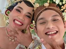 Selamat! Mumuk Gomez dan Eno Resmi Menikah