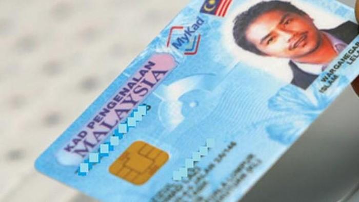 E-KTP negara tetangga kita dinamakan MyKad (My: saya, KAD: Kartu Akuan Diri) yang merupakan kartu identitas cerdas yang dibekali chip dan biometrik. KTP yang diluncurkan 2001 silam ini bisa dipakai untuk surat izin mengemudi (SIM) sampai paspor. Dengan begitu, urusan fotokopi KTP tidak dibutuhkan lagi di Negeri Jiran.