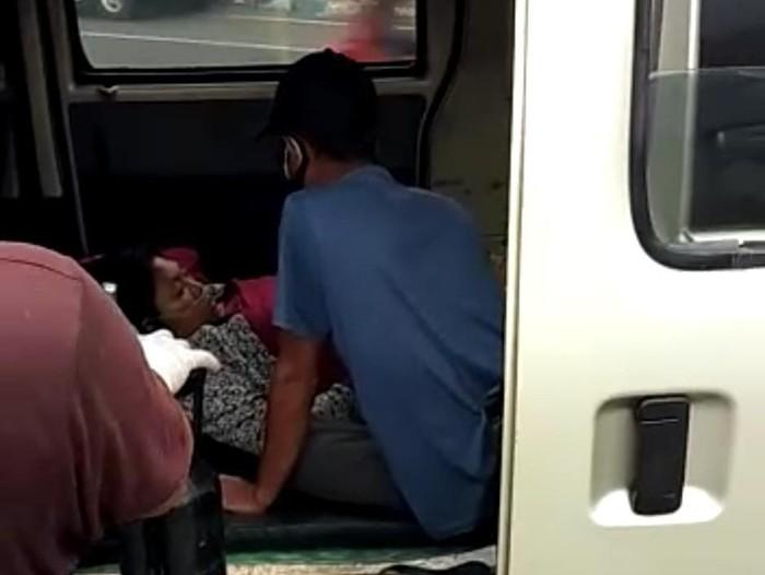Pasien COVID-19 Ini Ditolak 5 Rumah Sakit di Mojokerto