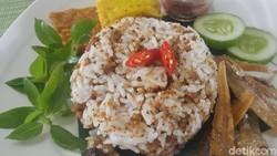Resep Nasi Tutug Oncom Tasik yang Pedas Gurihnya Nampol