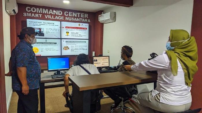 Telkom mengimplementasikan lima desa di empat provinsi dengan Smart Village Nusantara (SVN), agar desa tersebut canggih.