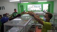 Makan Dibatasi 20 Menit? Dokter: Yang Bikin Lama, Sambil Ngobrol-Main Gadget
