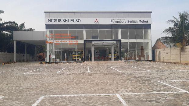 Dealer baru Mitsubishi Fuso di Pekanbaru