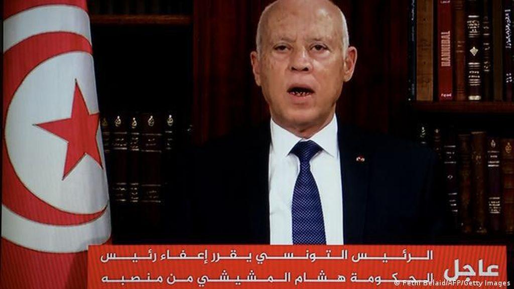Presiden Tunisia Pecat PM Mechichi dan Bekukan Parlemen