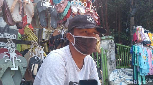 Jimmy, PKL di Tanah Abang (Adhyasta/detikcom)