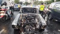 Mobil Sport Mustang V8 Terbakar di Pondok Indah