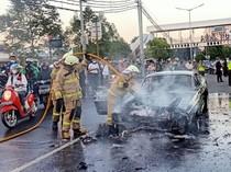 Mobil Terbakar Tiba-tiba di Tengah Jalan, Ini yang Harus Dilakukan Pengemudi