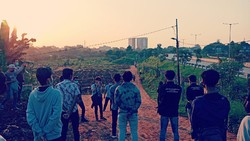 Kala Polisi Ajak Pendemo Safari ke Kuburan Jenazah COVID