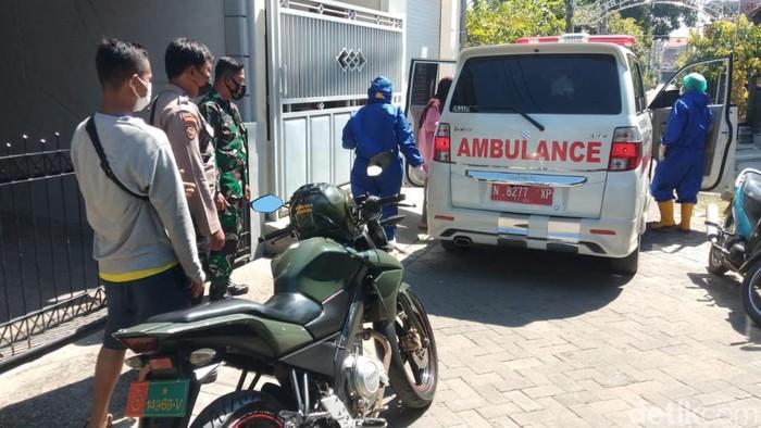Kasus COVID-19 aktif di Kota Pasuruan mencapai 631 pasien. Sebanyak 349 pasien menjalani isolasi mandiri (isoman), 102 pasien berada di tempat isolasi terpusat dan 180 pasien berada di rumah sakit baik dalam maupun luar kota.