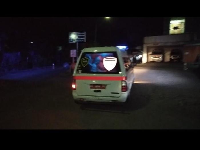 Seorang nenek meninggal di ambulans karena ditolak RSUD AW Syahranie. (dok. Istimewa)