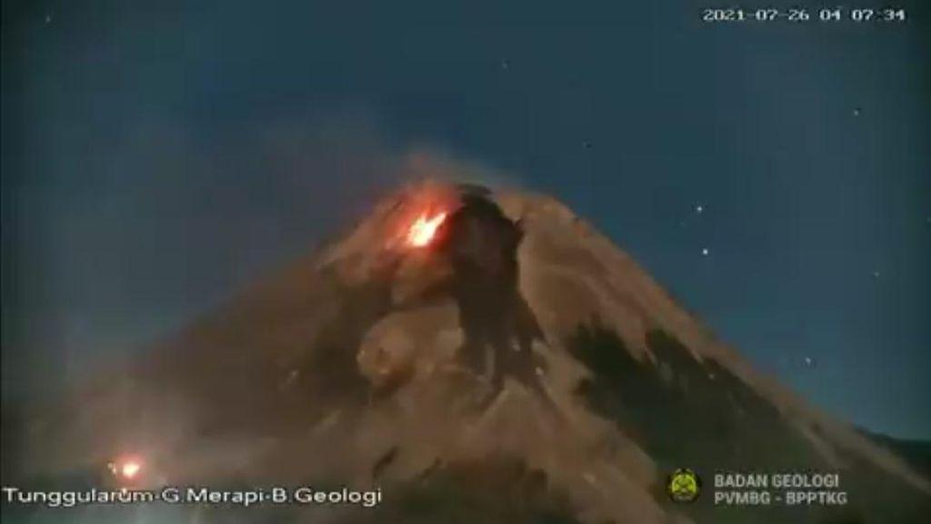 Terjadi Kebakaran di Lereng Gunung Merapi, BPPTKG: Tersulut Lava Pijar