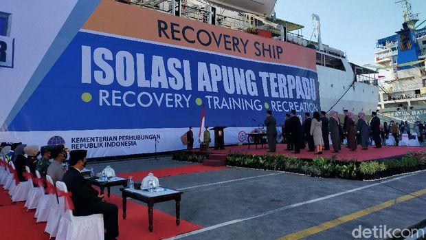 Walkot Makassar Lantik 16 Pejabat di Dermaga Isolasi Apung