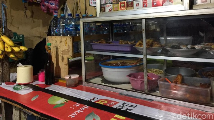 Dalam PPKM level 4, pembeli boleh makan di tempat tetapi dengan waktu 20 menit saja. Bagaimana respons pembeli yang telah mencobanya?