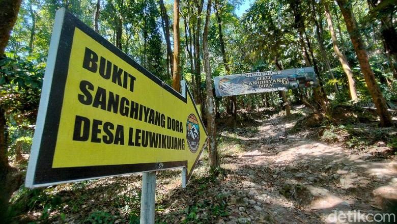Bukit Sanghiyang Dora Majalengka tutup