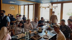Momen Hangat Marcus Gideon Saat Makan Bersama Keluarga