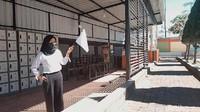 Foto: Pedagang Ramai-ramai Kibarkan Bendera Putih di saat PPKM