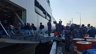 Kerahkan Kapal Perang, Koarmada II Serbu Pulau Bawean dengan Vaksin