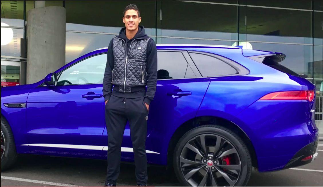 Manchester United dilaporkan tinggal selangkah lagi mendapatkan Raphael Varane dari Real Madrid. Kedua klub disebut segera mencapai kata sepakat.