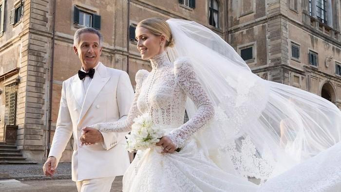 Lady Kitty Spencer menikah dengan Michael Lewis.