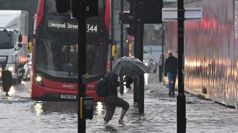 London kebanjiran