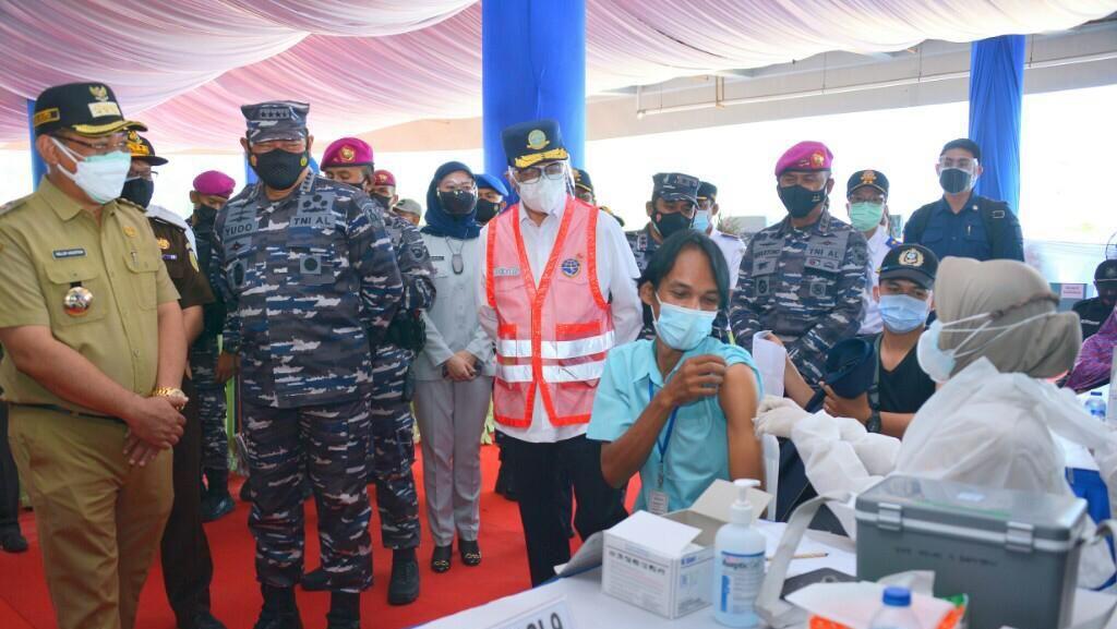 Kemenhub-TNI AU Gelar Vaksinasi Massal, Target 4.000 Orang Disuntik