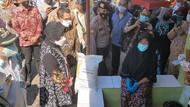 Cek Bansosdi Pekalongan, Risma: Ada Masalah di Sembako