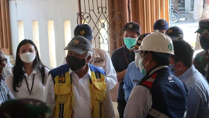 Menteri PUPR tinjau RS darurat COVID-19 di Bantul.