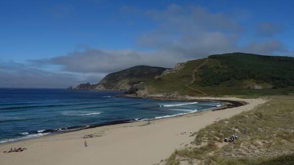 Garis pantai ini dikenal sebagai Coast of Death. Lokasinya menghadap Samudera Atlantik di Galicia, sebuah wilayah di barat laut sudut Spanyol. (Jeanine Barone/CNN)