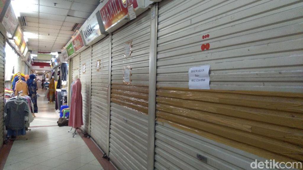 Pasar Tanah Abang Sepi, Sejumlah Pedagang Jual hingga Sewakan Toko