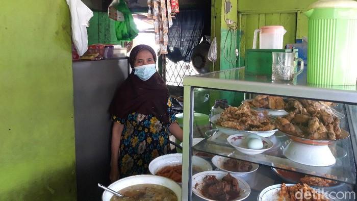 Pedagang warteg di Tangerang Selatan
