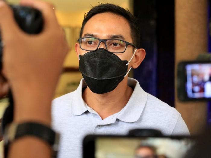 Dana insentif untuk nakes dan tenaga penunjang dalam penanganan pasien COVID-19 di Kota Surabaya sudah cair. Dana insentif ini sudah dicairkan Pemkot Surabaya sejak Jumat (9/7).