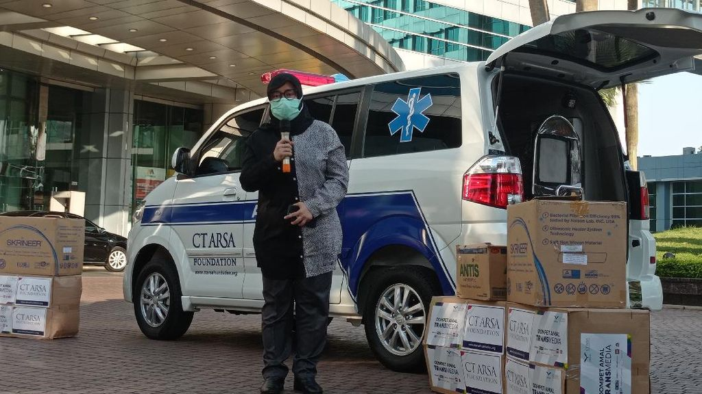 CT ARSA-Dompet Amal TRANSMEDIA Salurkan APD-Ambulans untuk Tangani Corona