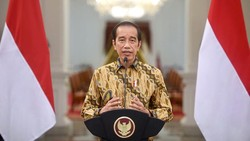 Jokowi: COVID di Jawa Mulai Melandai tapi Gantian di Luar Jawa Naik