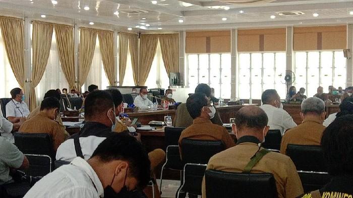 Rapat Jajaran Pemprov Sumut Dipimpin Gubsu Edy (27/2)