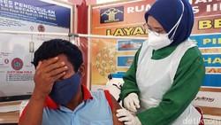 Rutan kelas II B Boyolali melakukan vaksinasi COVID-19 kepada seluruh warga binaan. Total ada 198 warga binaan yang diberikan vaksin COVID-19, Selasa (27/7).