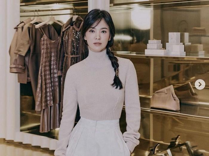 Song Hye Kyo di Butik Fendi