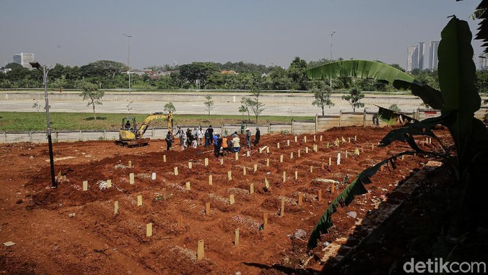 TPU Jombang di Ciputat, Tangerang Selatan (Tangsel), Banten, membuka lahan pemakaman baru. Lahan itu khusus untuk pemakaman jenazah pasien COVID-19.