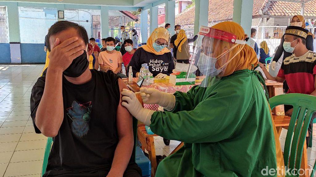 238 Warga Binaan Rutan Pandeglang Antusias Jalani Vaksinasi COVID-19
