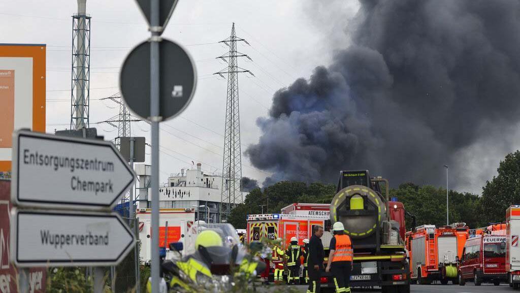 Asap Hitam di Langit Jerman Gegera Ledakan di Kawasan Industri