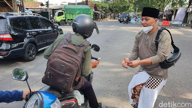 Dokter-YouTuber Cirebon Saling Bantu Saat Pandemi