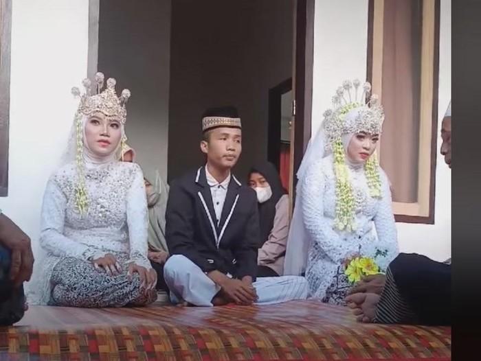 Foto: Seorang pria menikahi dua wanita kembali terjadi di NTB. Pernikahan itu disebut terjadi di Kecamatan Pujut, Kabupaten Lombok Tengah. (FB Doyok Potret)