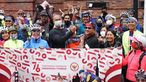 Selain untuk menyambut HUT ke-76 RI, acara ini juga dilakukan untuk memperkuat rasa persatuan dan kesatuan di antara masyarakat Indonesia di AS. Diaspora Indonesia juga diajak untuk bersama-sama melakukan kegiatan yang dapat mempromosikan Indonesia di Amerika Serikat. (dok. KJRI San Fransisco)
