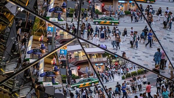 Siapa yang tak kenal dengan Harajuku yang berada kerap jadi tujuan wisata dan berbelanja saat berkunjung ke Tokyo, Jepang. Tak hanya populer di kalangan warga Tokyo, Harajuku pun jadi surga bagi para wisatawan yang hobi berbelanja dan berburu beragam barang unik nan menarik. Chris McGrath/Getty Images.